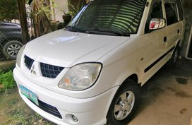 Mitsubishi Adventure 2005