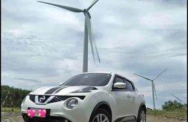 Selling White Nissan Juke in Dasmariñas