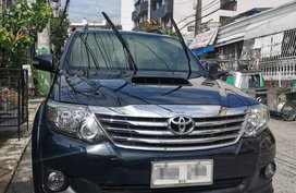 Selling Black Toyota Fortuner 2014 in Manila