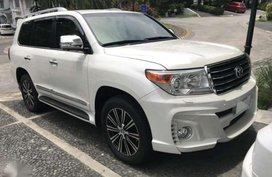 Selling White Toyota Land Cruiser in Cagayan de Oro