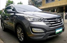 Selling Grey Hyundai Santa Fe 2013 in Quezon City