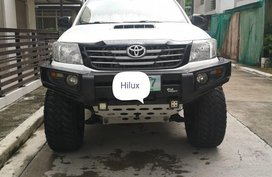 Selling White Toyota Hilux for sale in Manila