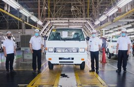 Mitsubishi PH 200,000th locally-made vehicle is an L300 bound for export