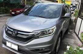 Selling Silver Honda Cr-V in Valenzuela