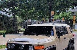 Beige Toyota Fj Cruiser 2015 for sale in Manila