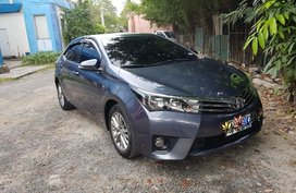 Selling Blue Toyota Corolla altis in Manila
