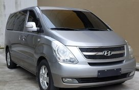 Selling Silver Hyundai Grand starex in Marikina