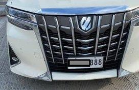 Sell White Toyota Alphard in Manila
