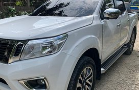 White Nissan Navara for sale in Kidapawan