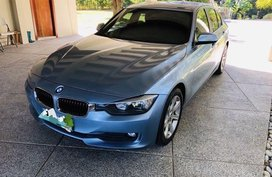 Selling Blue Bmw 318D for sale in Makati