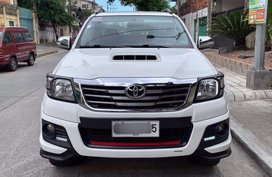 2015 TOYOTA HILUX TRD SPORTIVO EDITION MT