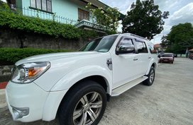 Silver Ford Everest 2013 for sale in Metro Manila