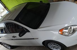 Sell White Hyundai Accent in Manila