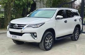 White Toyota Fortuner 2018 for sale in Quezon City
