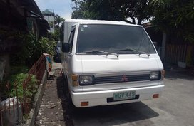 White Mitsubishi L300 1999 for sale in Manila