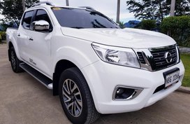 Selling White Nissan Navara in Pasig