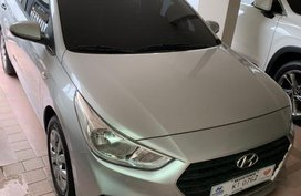 White Hyundai Accent for sale in Makati City