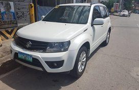 White Suzuki Grand Vitara 2014 for sale in Manila