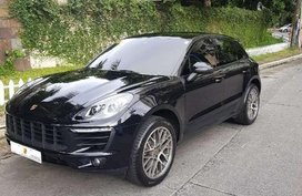 Selling Black Porsche Macan in Makati