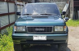Sell Blue Isuzu Trooper in Candelaria