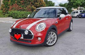 Selling Red Mini Cooper 2016 in Makati