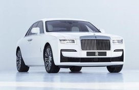 Second-generation Rolls-Royce Ghost debuts, but you still can't buy one