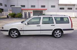 Selling White Volvo 850 1997 in Manila