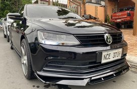 Sell Sedan 2016 Volkswagen Jetta in Quezon City