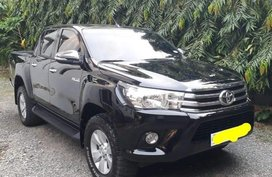 Selling Black Toyota Hilux 2016 in Batangas