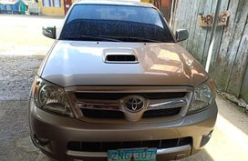 Selling Silver Toyota Hilux in Baguio