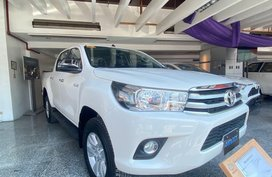 White Toyota Hilux for sale in Manila