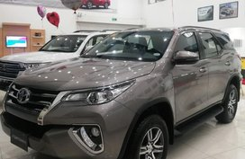Grey Toyota Fortuner for sale in Santo Tomas