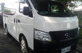 Selling White Nissan Nv350 urvan in Manila