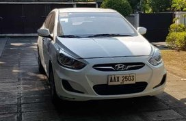 Sell White 2014 Hyundai Accent in Valenzuela