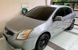 White Nissan Sentra for sale in Manila