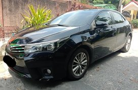 Sell Black 2015 Toyota Corolla Altis in Quezon City