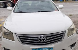 Selling White Hyundai Grand starex in Angeles