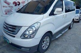 Selling White Hyundai Grand starex in Mexico