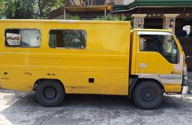 Sell Yellow Isuzu Elf in Parañaque