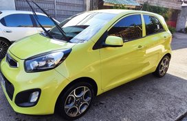 Yellow Kia Picanto 2014 for sale in Manila