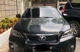 Selling Black Lexus Ct200h in Pasig
