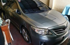 Selling Grey Toyota Corolla altis in Manila