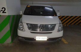 Sell White 2015 Hyundai Grand starex in Pasig