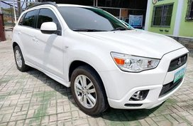 Sell White 2013 Mitsubishi Outlander SUV in Manila