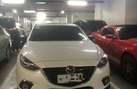 Year model 2015 Mazda3 HB 2.0A