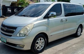 Selling Silver Hyundai Grand Starex 2011 in Manila