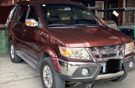 Selling Red Isuzu Sportivo 2010 in Caloocan