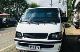 Pearl White Toyota Hiace 2004 for sale in Manila