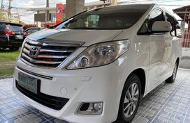 Selling White Toyota Alphard 2013 in Quezon City