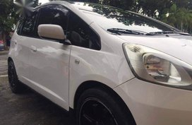 Sell White Honda Jazz in Quezon City